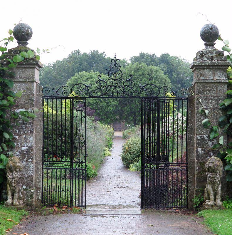Garden Furniture, English Country Gardens