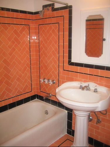 Bright Peachy Orange Retro Style Subway Tileds In A Small Bathroom With Black Trim And Liner I Am G Vintage Bathrooms Orange Bathrooms Bathroom Vintage Style
