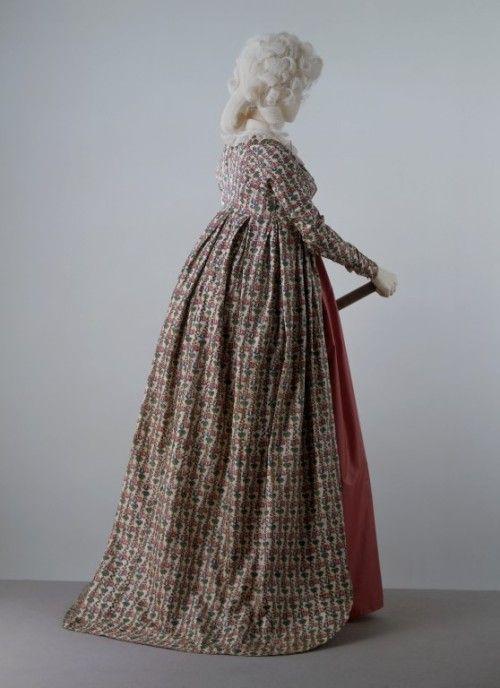 Round Gown 1795-1800 The Victoria & Albert Museum | 18th Century ...