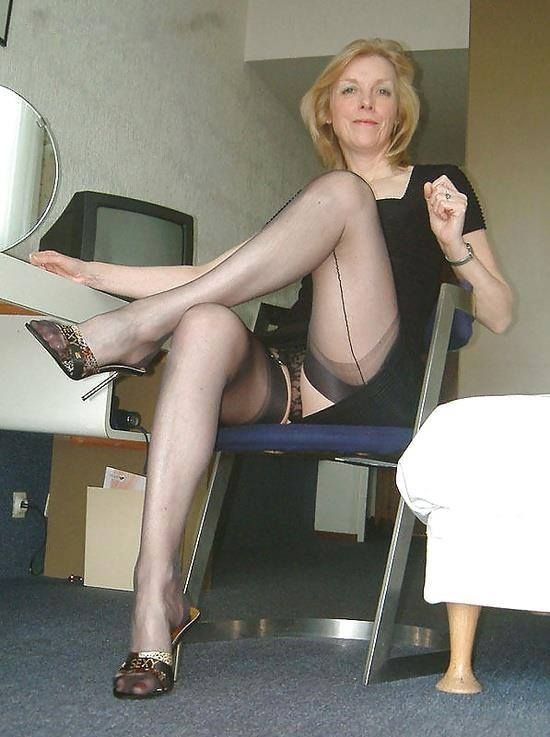 Mature panties upskirt milf