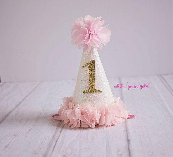Pin By Anne Whipple On Bebek Battaniyesi In 2020 1st Birthday Hats Girl Birthday Decorations Birthday Party Hats