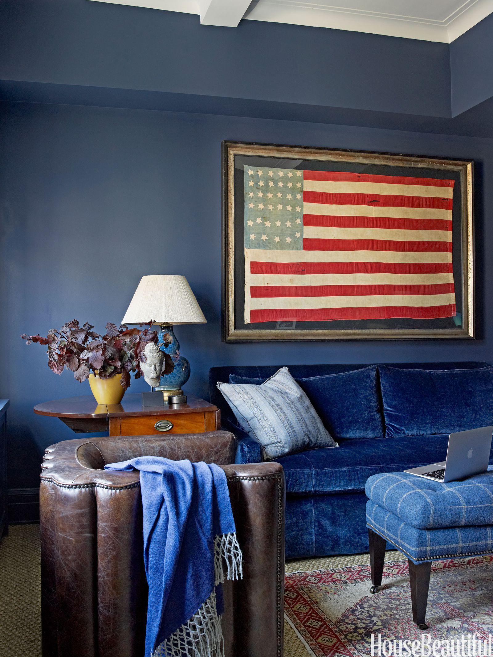 15 Impressive Rooms That Boast Patriotic Decor