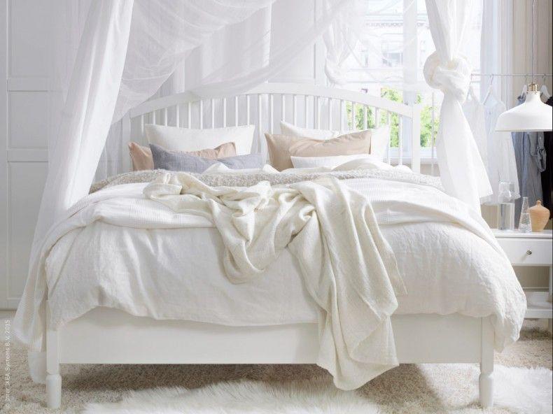 Mjuka former och vackra svarvade detaljer kännetecknar nya sovrums serien TYSSEDAL Det