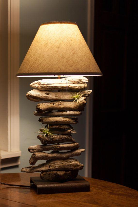 Articles similaires à Lampe bois de dérive organiquement inspiré sur ...