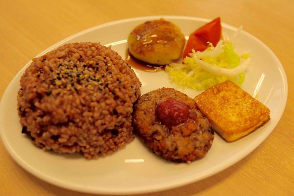 The Organic Food Buffet at Kaemon Asakusa - Delicious ...