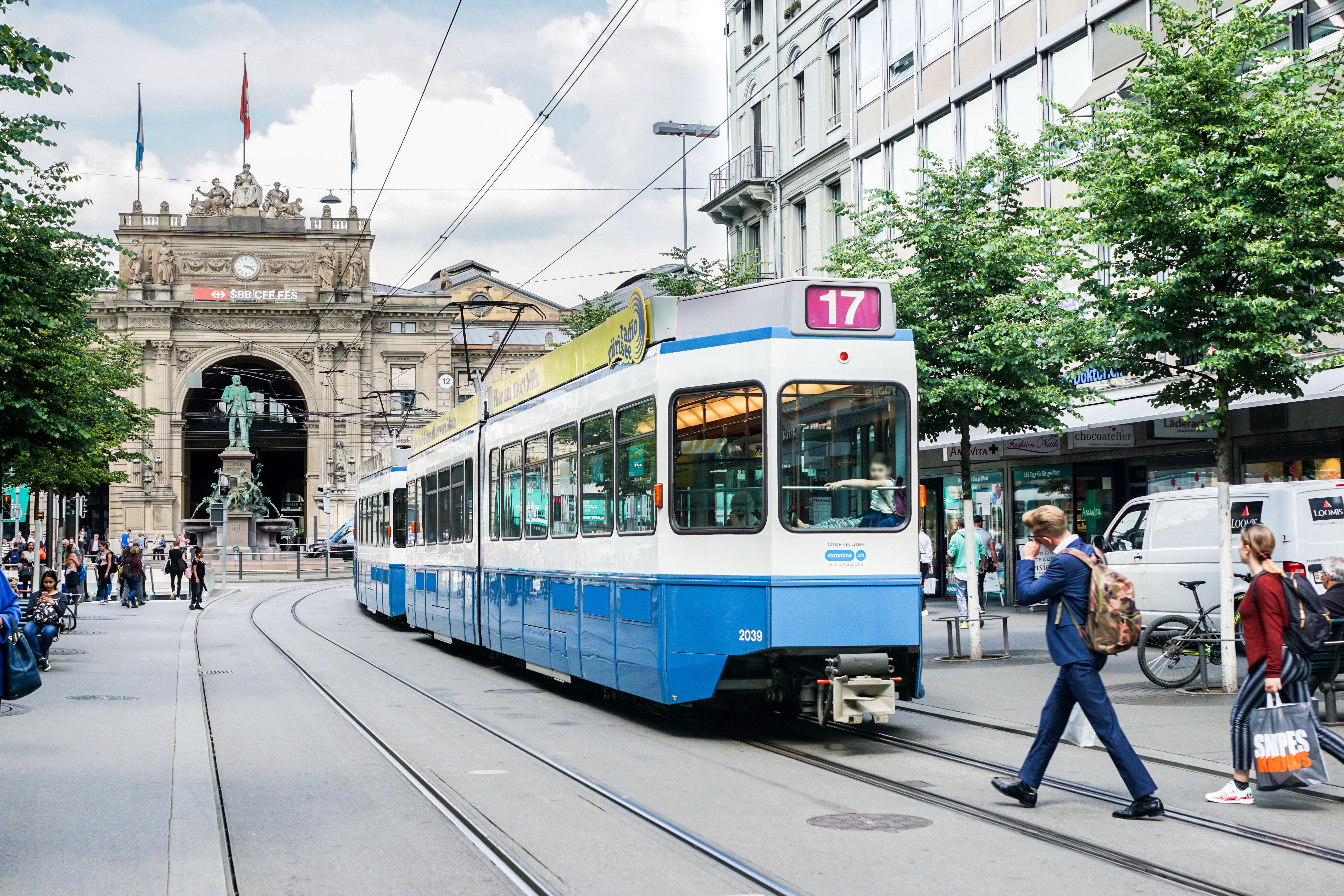 Zurich Stadt City See Brucke Haus Mieten Wohnen Kaufen Leben Geniessen Einrichten Suchen Strassenbahn In Zurich Wohnung Mieten Zurich Wohnung
