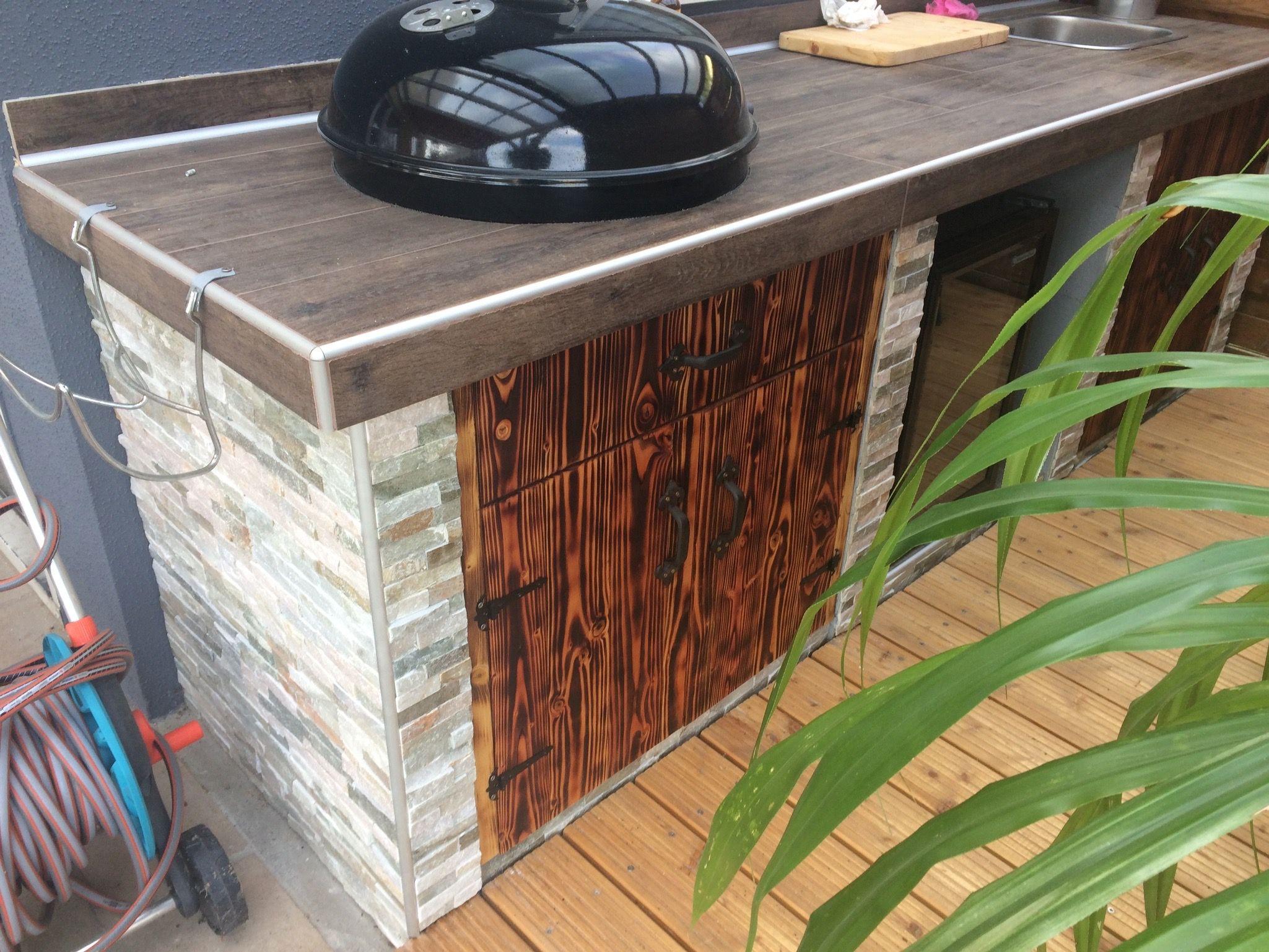 Outdoor Küche Rund : Outdoor küche mit kugelgrill bauanleitung grill selber bauen