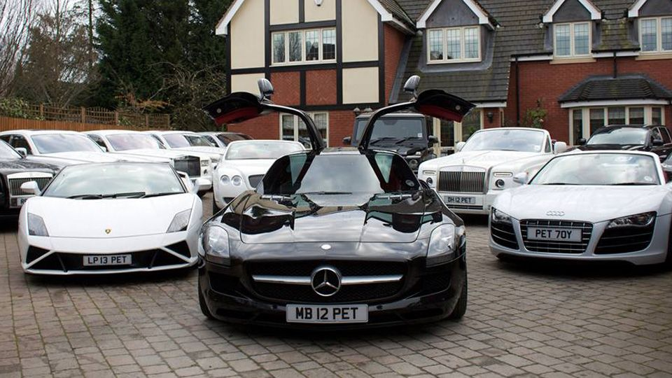 My Dream garage, all lord aleem\'s cars | Dream garage | Pinterest ...