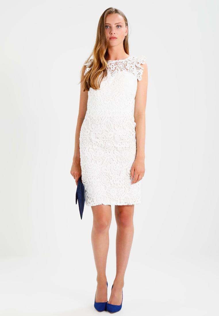 a153d63cf9b ¡Consigue este tipo de vestido de cóctel de Chi Chi London ahora! Haz clic