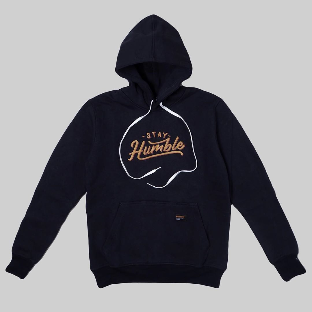STAY HUMMBLE NAVYBLUE IDR 275 K AVAILABLE SIZE : S M L XL . . . . . . . . . . . . . . . #HolyCocoCloth #clothingbandung #clothing #outfit #wholesale #hoodietee #jualan #clothingbrand #bandungclothing #clothingbrands #bandungfashion #outfitbandung #bandungbanget
