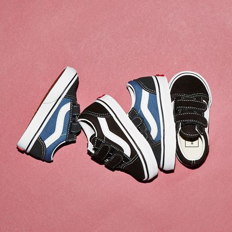 Shop the Old Skool Velcro Toddlers in Navy True White or Black True White  straight from our bio  ownit2017  vans f7ec328b7