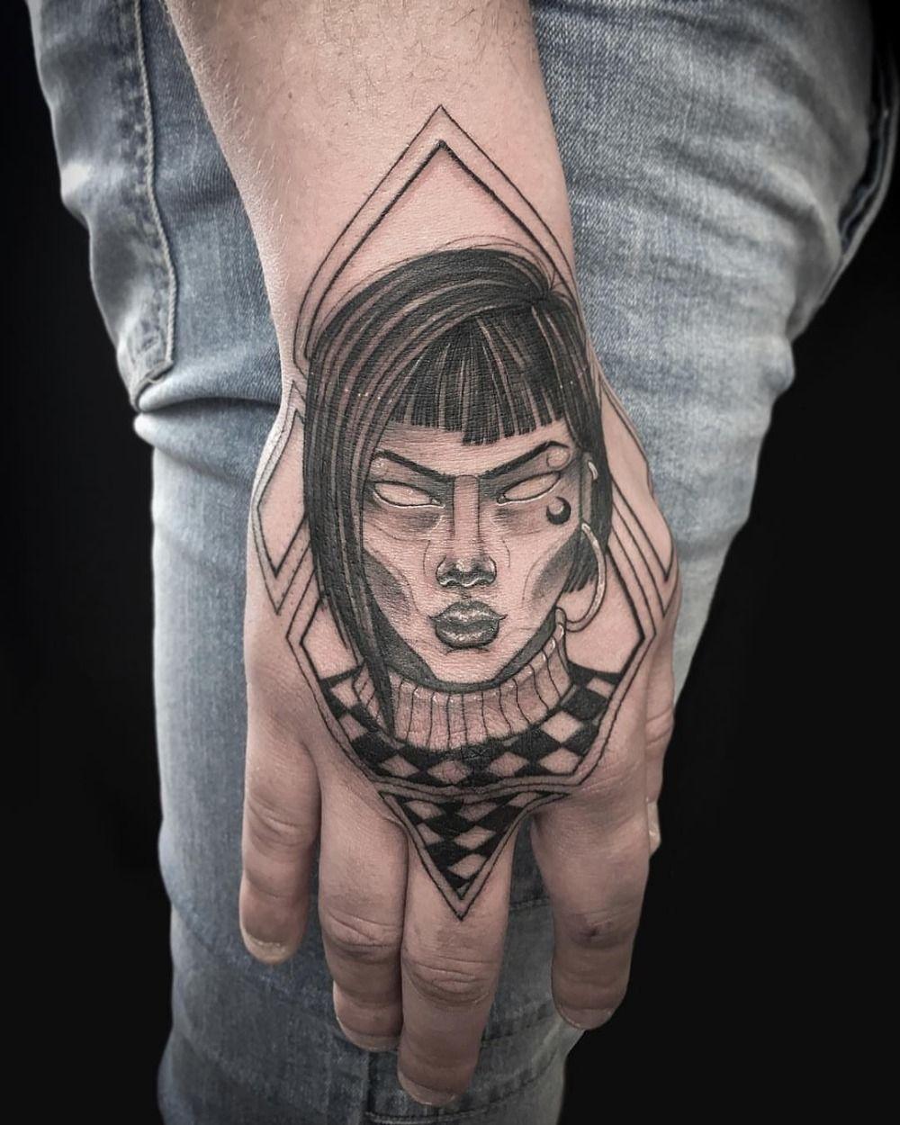Hand Tattoo Mann Mit Jeans | Hand tattoo, Hand tattoos