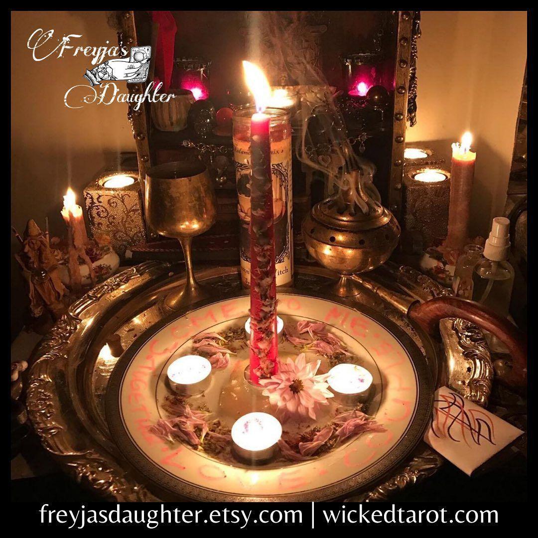 #Repost @freyjasdaughtertarot ・・・ #wickedwitch #witchcraft #heathen #norsepagan #darkgoddess #pagansofinstagram #darkarts #witchy #witchesofinstagram #gypsysoul #heathen #norsegoddess #esoteric #divinefeminine #feministwitch #occult #goddessworship #lefthandpath #witchlove #darkness #polarity #ownit #shadowwork #strength #castingspells #spellwork #magick #witchywoman #psychicwitch #magickspells