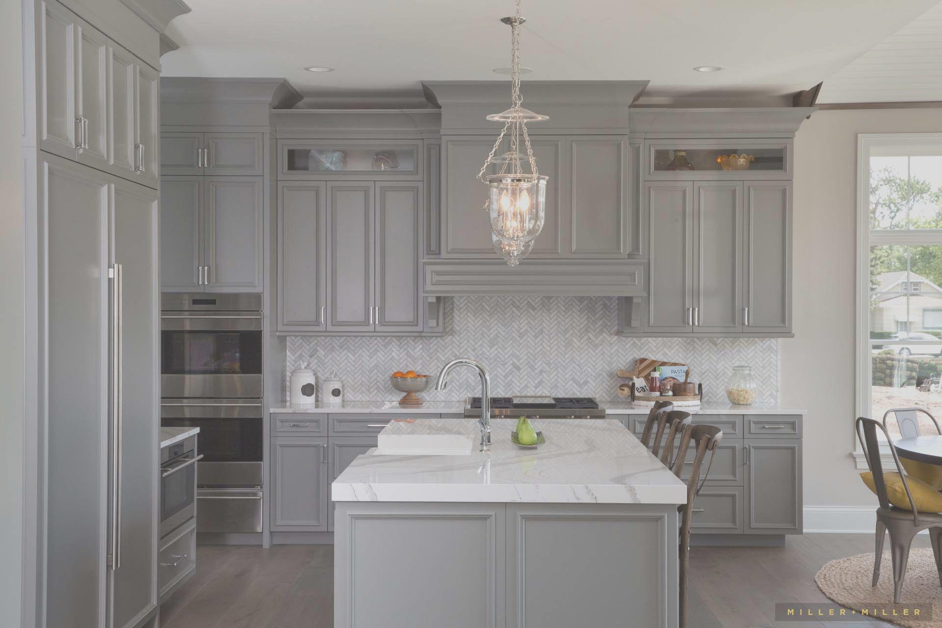 Inspiring Room Modern Nantucket Style Farmhouse Kitchen In 2020 Grey Kitchen Cabinets Farmhouse Kitchen Table Sets Farmhouse Kitchen Design