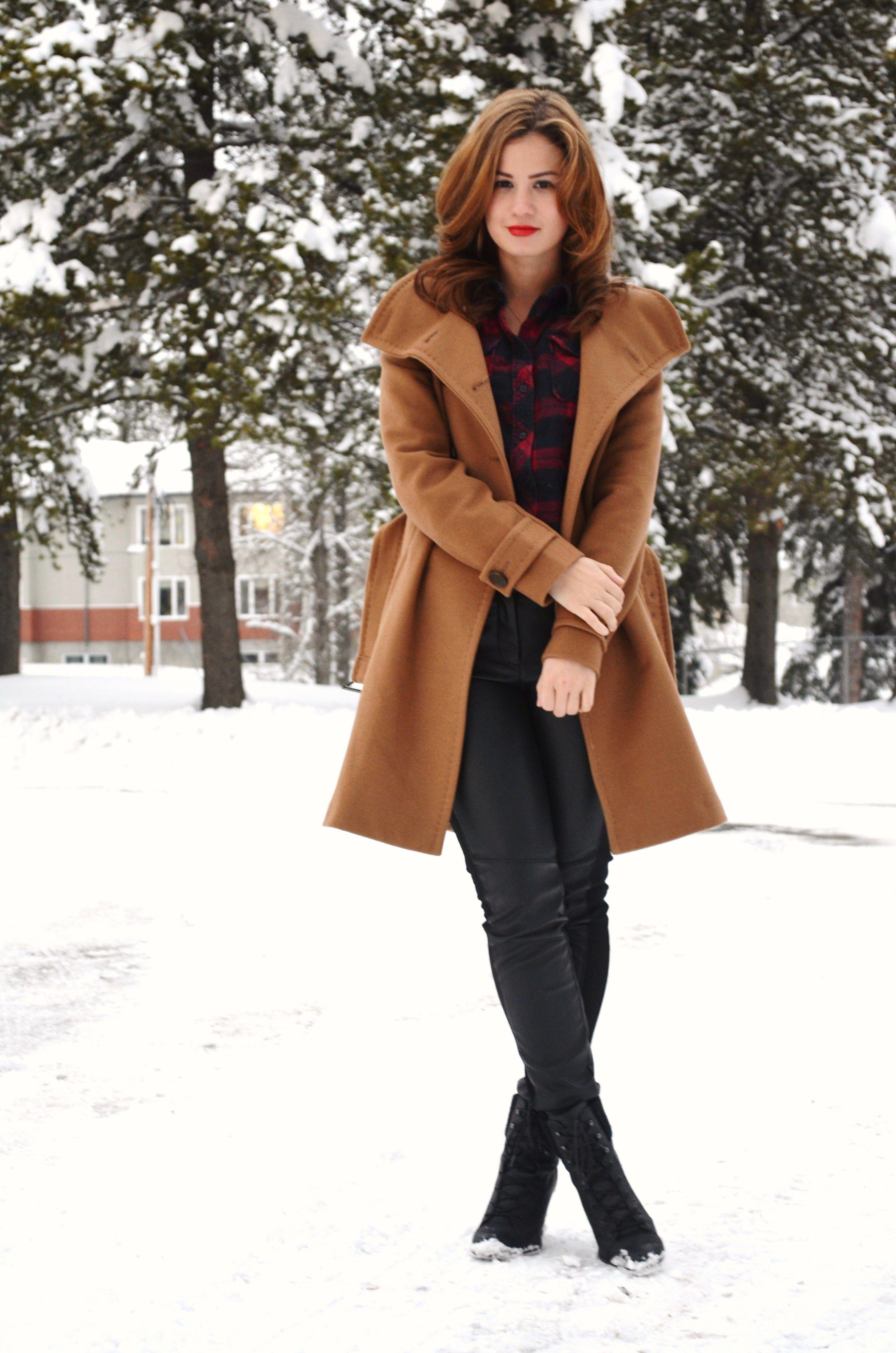 bornlippy // aritzia camel coat