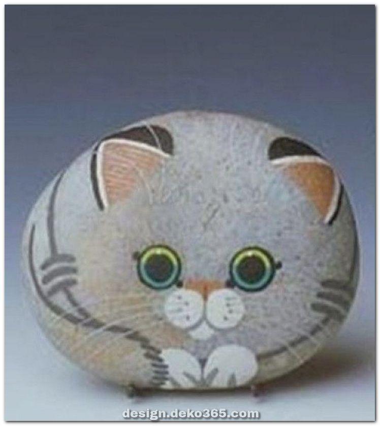Zauberhafte inspirierende DIY gemalte Felsentierkatzen pro Sommerideen #bemaltekieselsteine