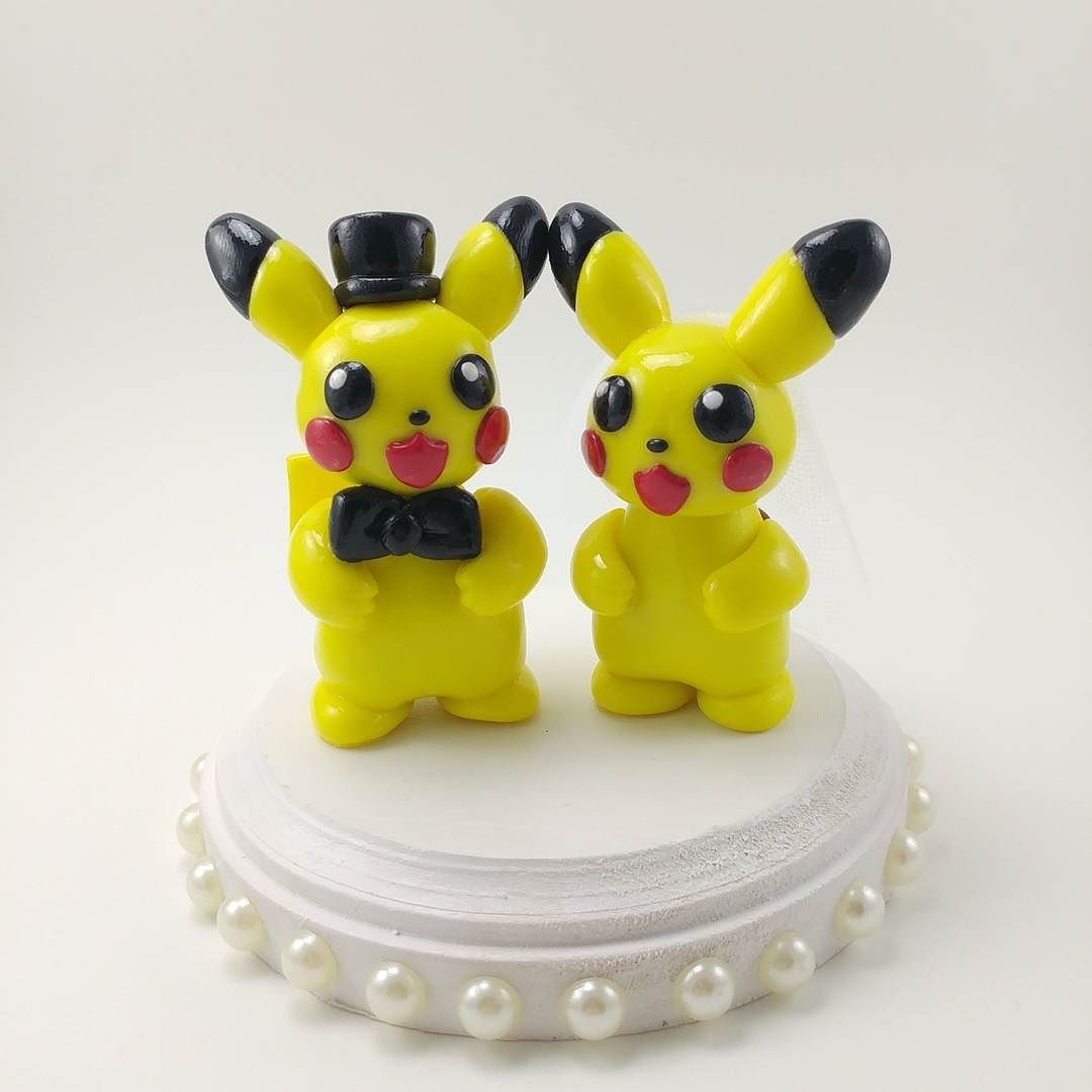 Some Pikachu Wedding Cake Toppers For A Wonderful Theme