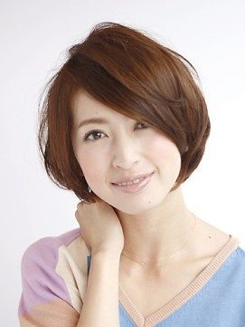 50代の髪型 ショートヘア面長さん向け人気スタイル ショートボブ