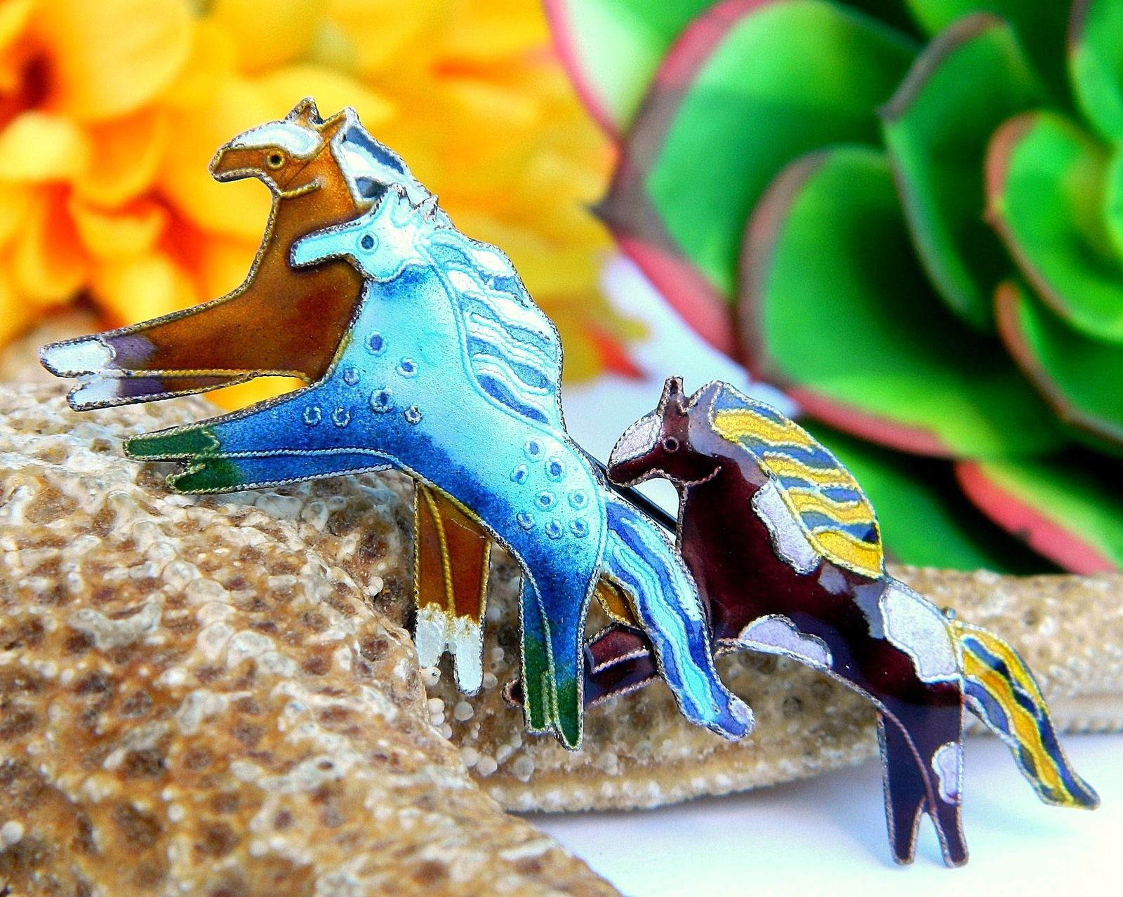 Mustangs Enameled Silver Plated Pin