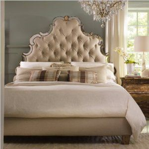 Amazon.com - Hooker Furniture Sanctuary Tufted Bed in Bling ...