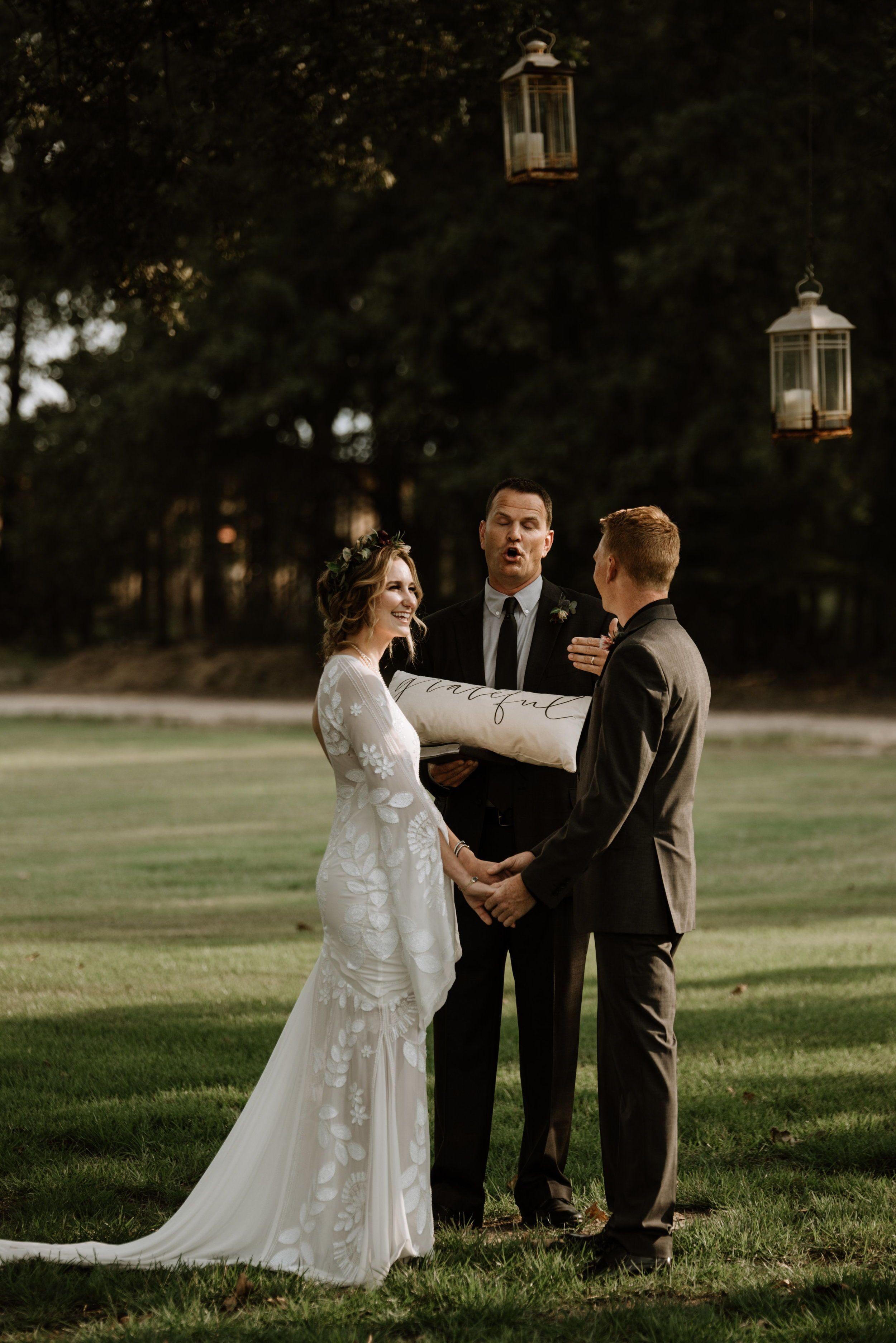 Real wedding alexandria mitchell romantic boho barn wedding in