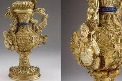 Jarro de prata dourada feito em Portugal entre 1510 e 1515, com o brasão da Casa Real portuguesa
