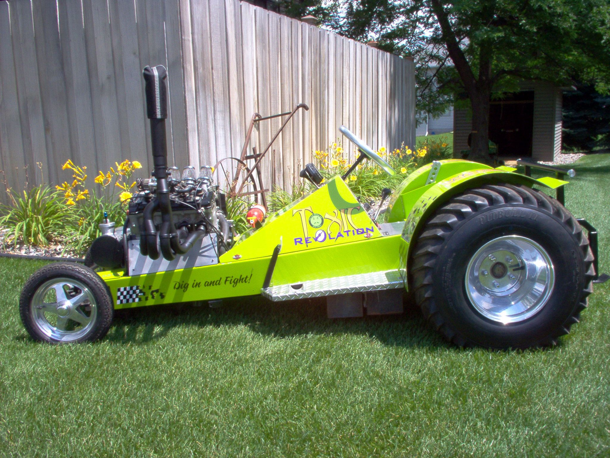 Tractor Pulling Motorcycle : Super modified outlaw pulling tractor powered by a h p