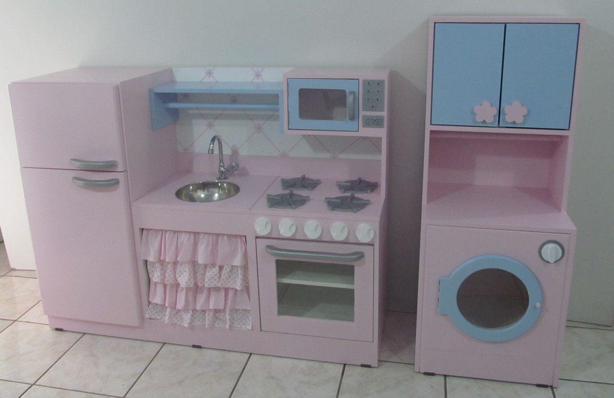 """Cozinha Infantil com Lavanderia """"Helena"""" <br>Cozinha integrada <br>Geladeira, pia, fog�o, microondas e prateleira <br>Medias: 1.32x100x43cm <br>Lavanderia <br>Maquina de lavar com arm�rio e var�o <br>Medidas: 1.20x47x40cm <br>Obs: voc� pode comprar separado tamb�m. <br>Obs.Entregamos somente na Grande S�o Paulo <br>Fora de S�o Paulo somente via transportadora por conta do cliente"""
