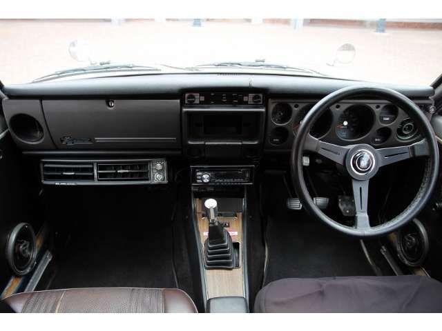 シンプルな内装で御座います クーラーも効く状態で御座います ブルーバード 日産 中古車