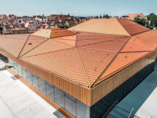 Inselhalle in Lindau: ein bewegter Horizont von Auer Weber