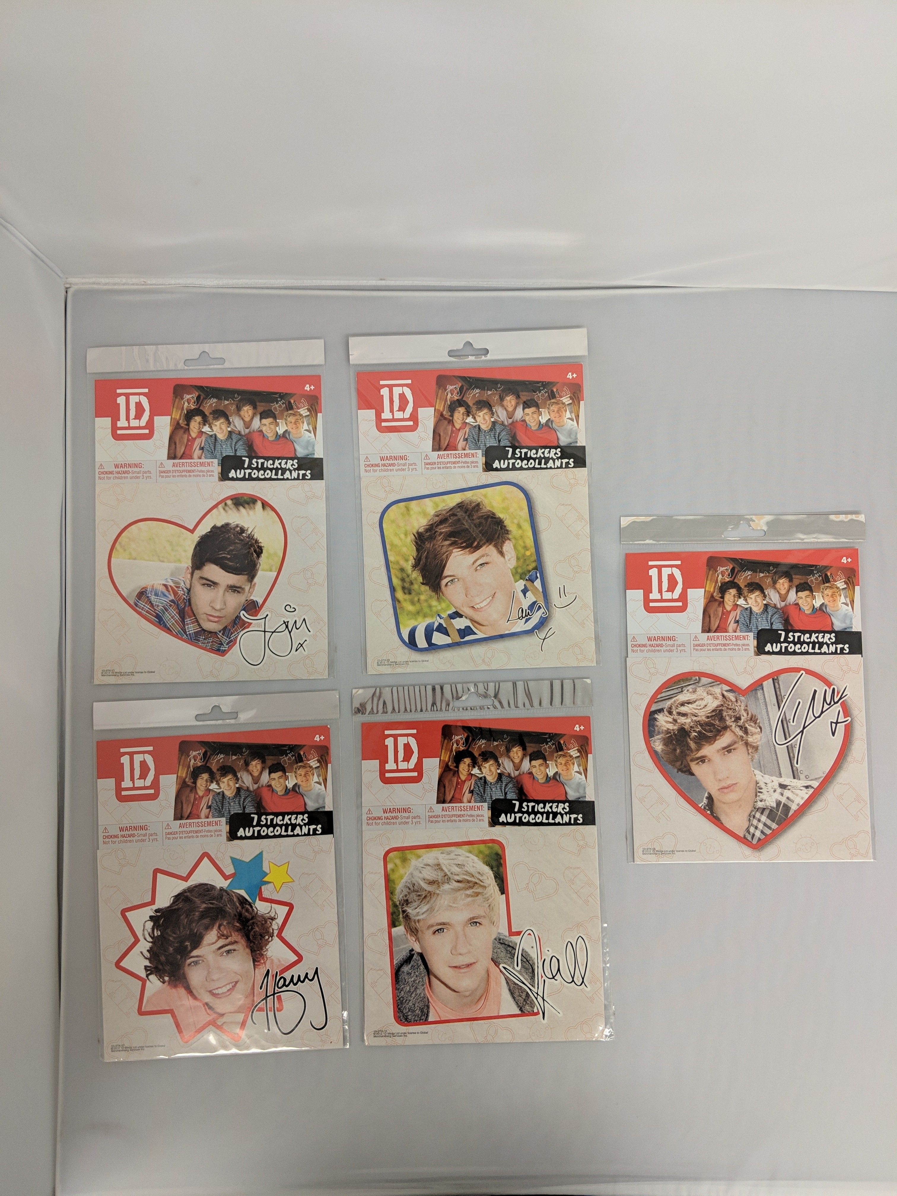 One Direction Individual Heart Sticker-Louis