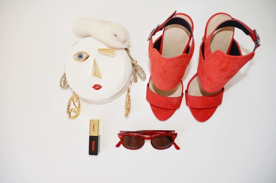 Good Morning! Today we show you this #Stilllife and we talk about of Objects of Desire Read more on: http://www.odmagazine.com/red-desire/