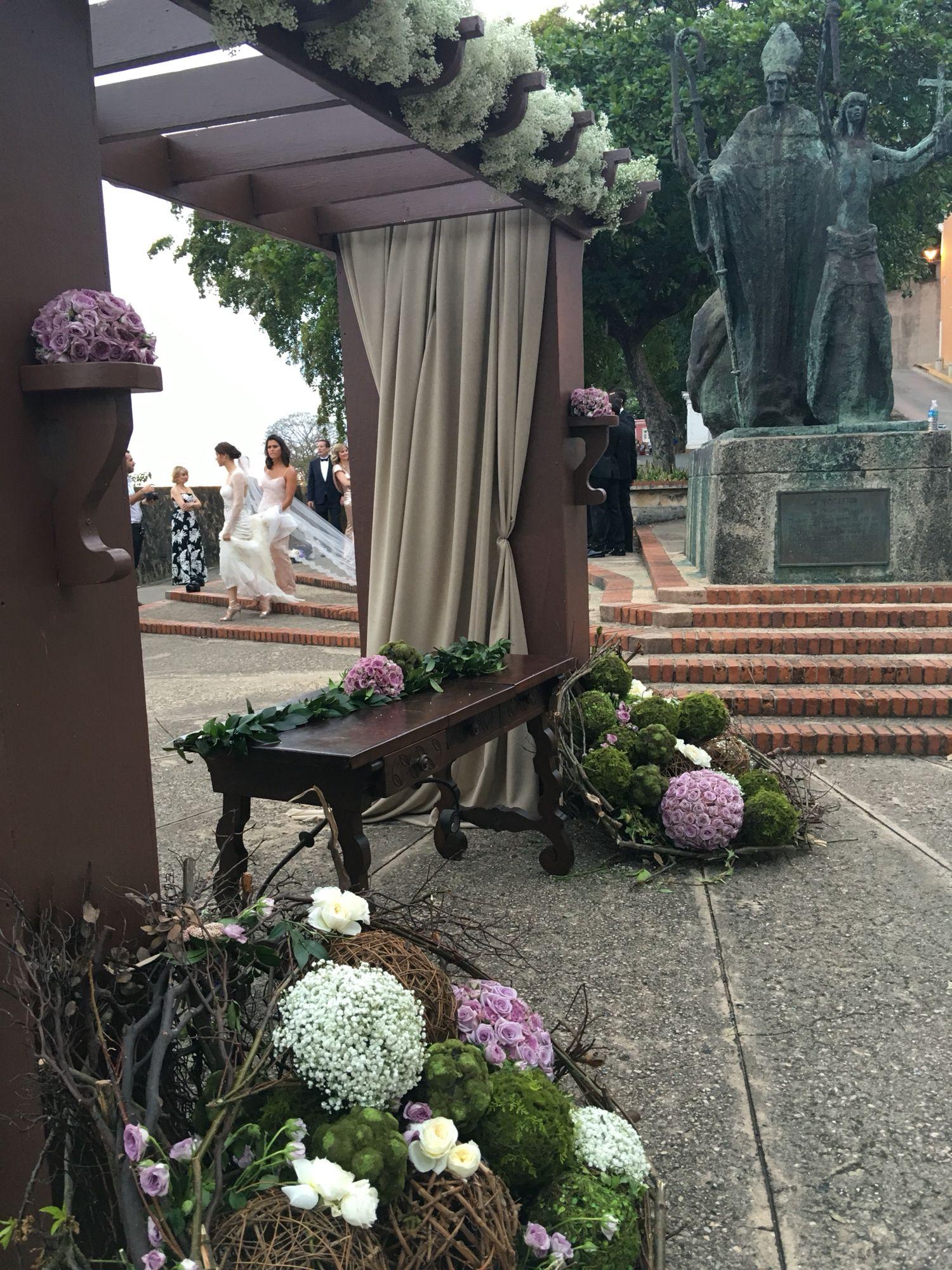 Canopy Ceremony at the Park  #destinationweddings #weddingideas #destinationweddingspuertorico #justengaged #bridetobe #weddingplanner #mariaalugo #bridebook By Maria Lugo,AWC Destination Wedding Planner marialugopr.com 787-548-5561 mariaalugo@gmail.com