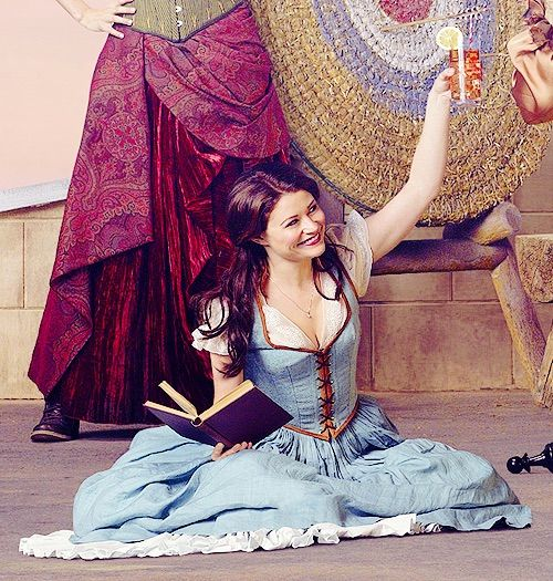 Image via We Heart It #actress #EmiliedeRavin #onceuponatime #women #ouat #bellefrench