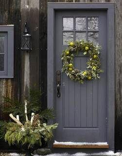 10 Welcoming Front Door Paint Colors