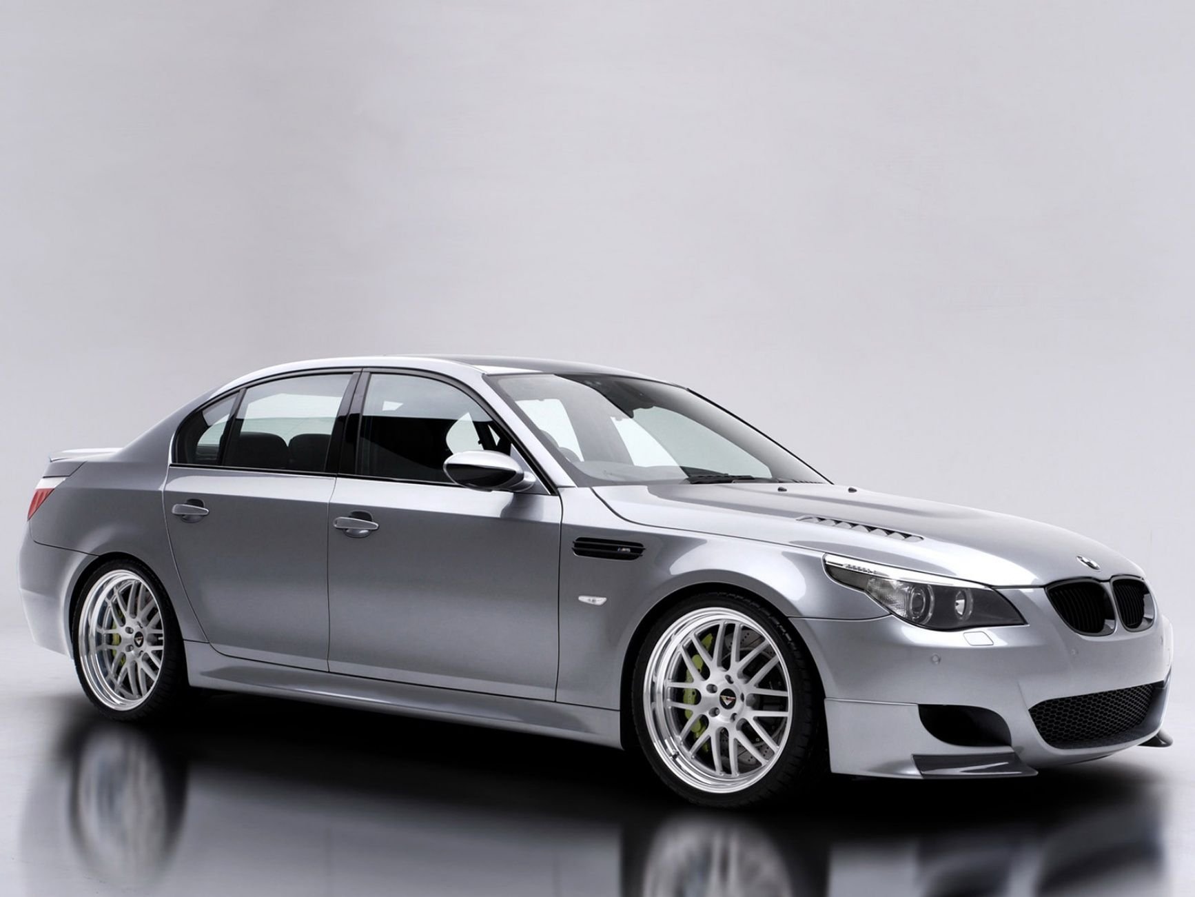 2006 BMW M5 The Implementation Of SMG Technology Car