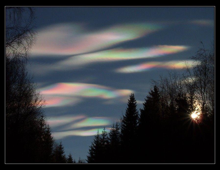 Perleťová oblaka (altocumulus lenticularis
