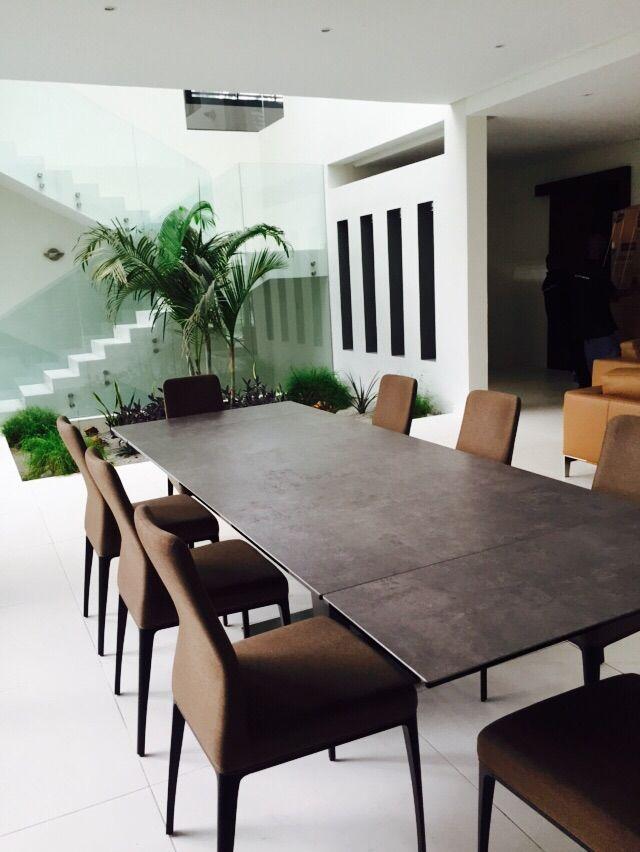 Table De Repas Nephtis Et Chaises Aida Mobilier De Salon Decoration Maison Meuble Canape