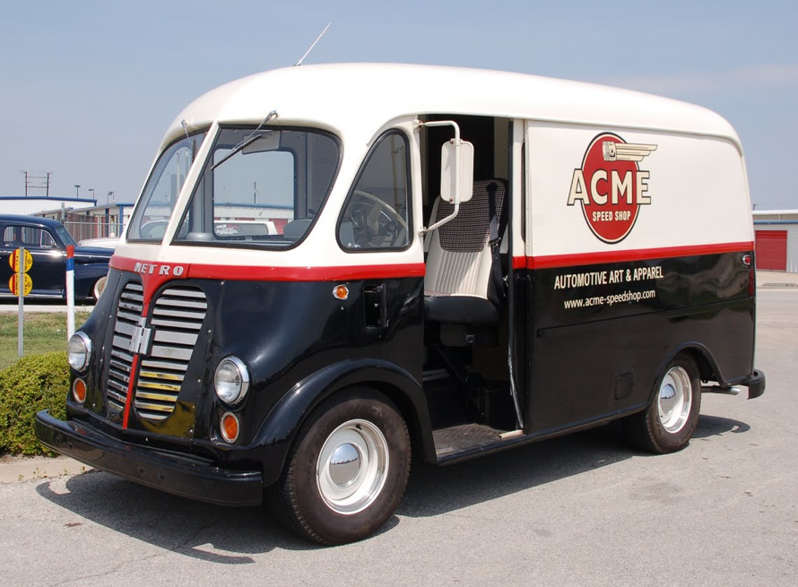 International Harvester Metro Van 1940 | International
