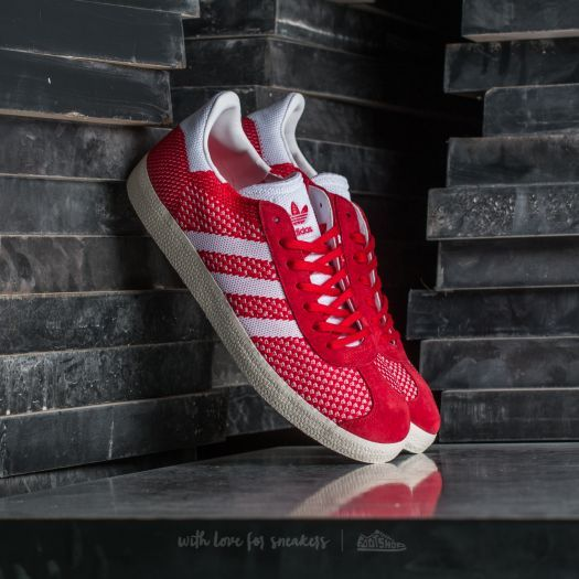 Adidas gazzella primeknit scarlet / ftw bianco / gesso bianco in un grande