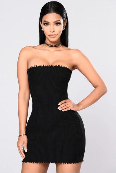 17++ Black tube top dress information