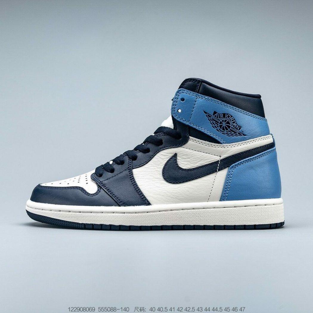 Jordan 1 Retro High Obsidian UNC - Nike schoenen, Schoenen ...