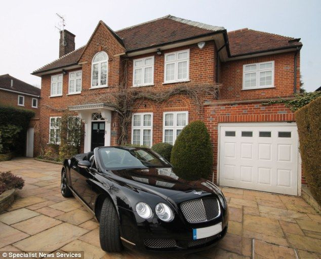 For Sale 1 9million Luxury Six Bedroom Home Called The Bentley That Comes With A Free 85 000 Car Of The Same Name Self Build Houses Luxurious Bedrooms House Goals