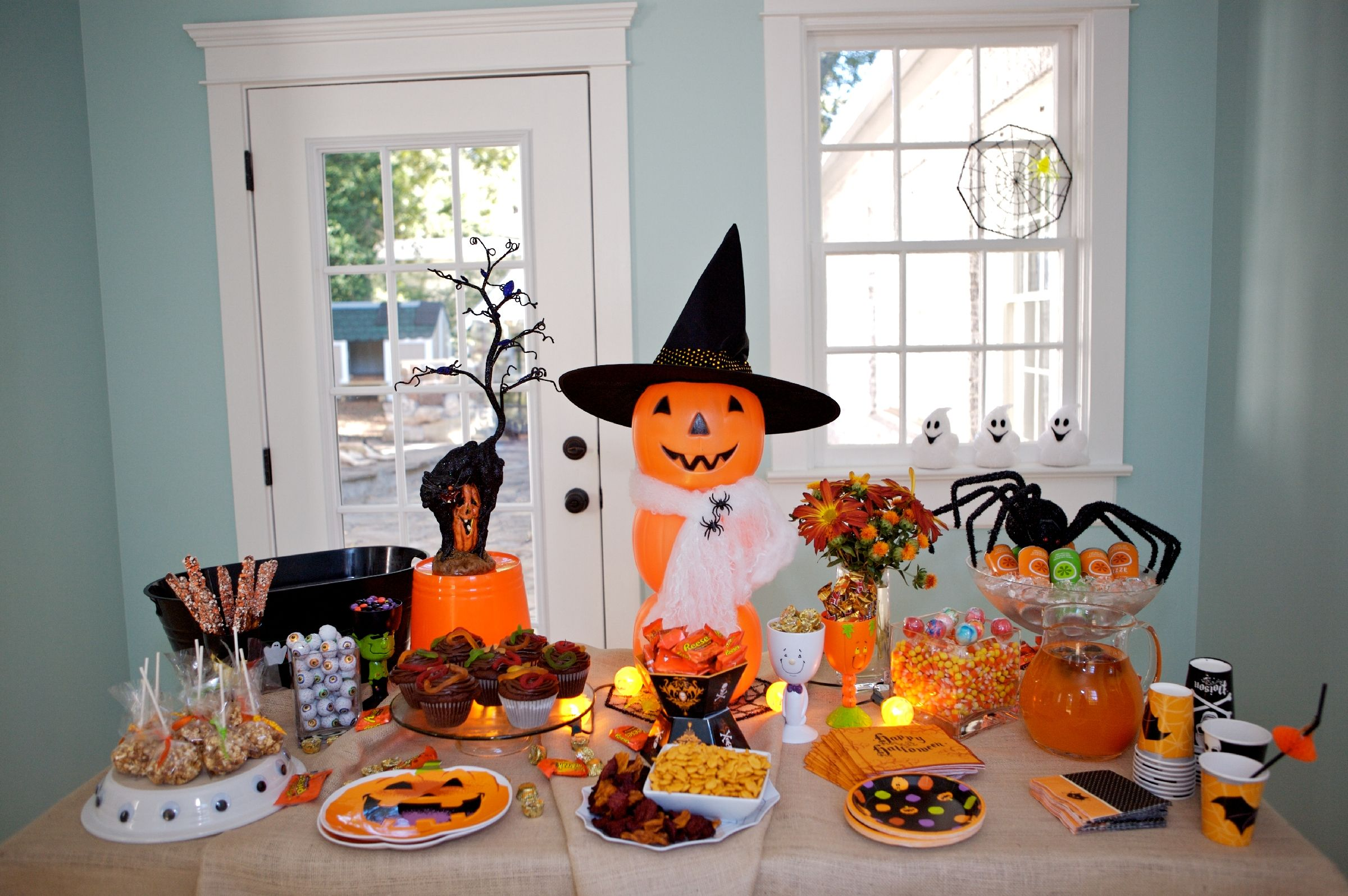 if you need to put together a quickie halloween party for the kids for school dance class or for