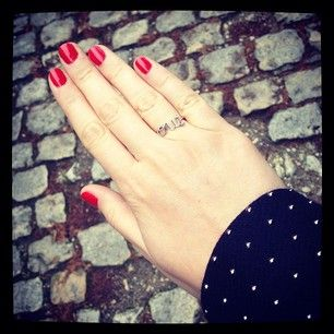 "Moscow red and ""oui"" ring - @lililarchi"