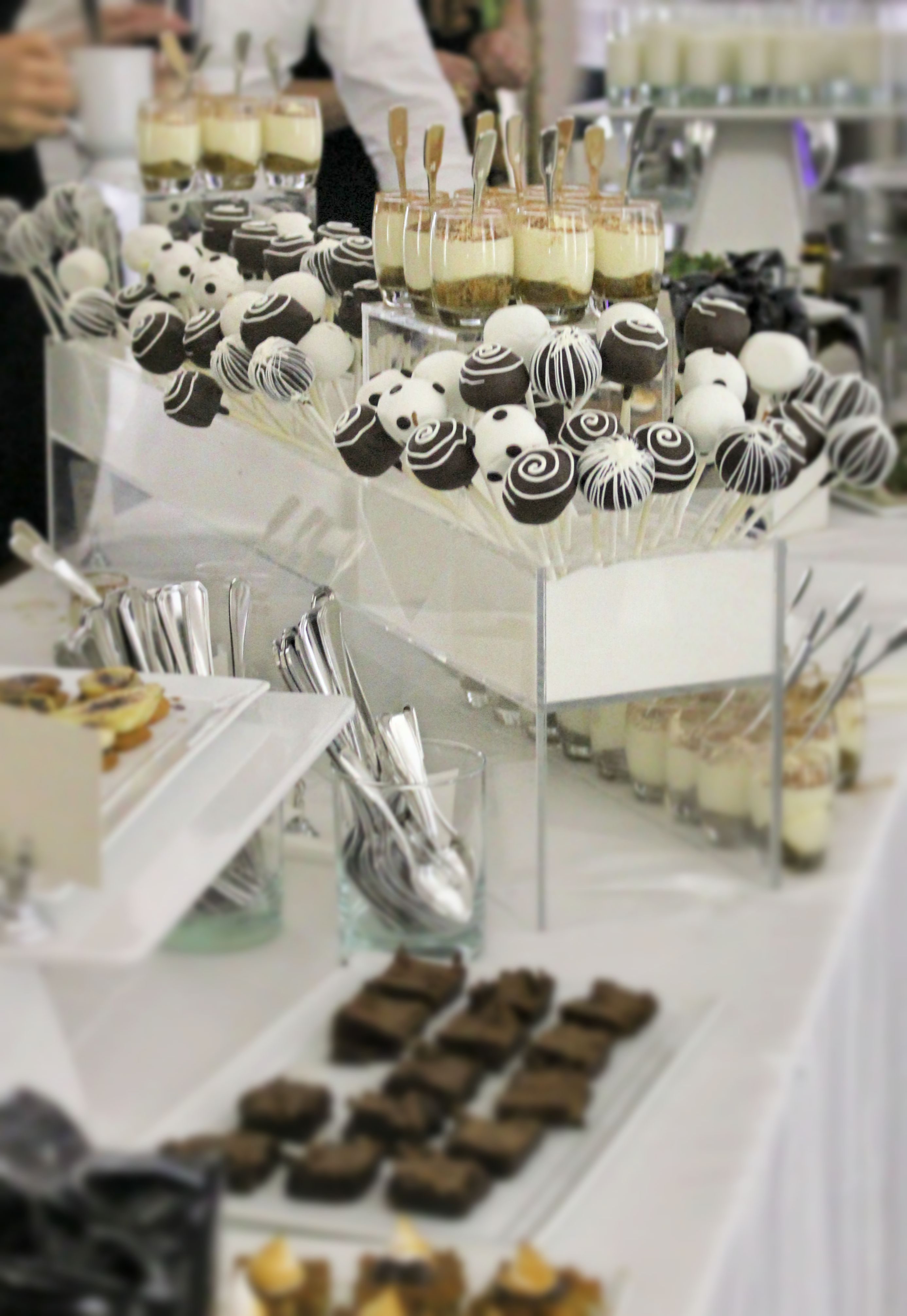 Black & White Chocolate Station // OnTheMarc // onthemarcevents.com // #onthemarcevents