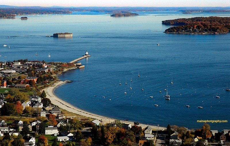Spring Point Lighthouse And Willard Beach South Portland Me Beautiful Places South Portland Outdoor