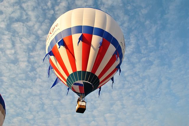 Flying Hot Air Balloon, Red White And Blue Balloon
