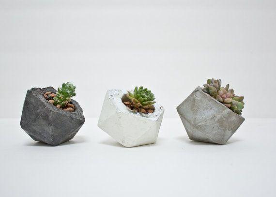 modern small geometric icosahedron planter par concretegeometric deco pinterest. Black Bedroom Furniture Sets. Home Design Ideas