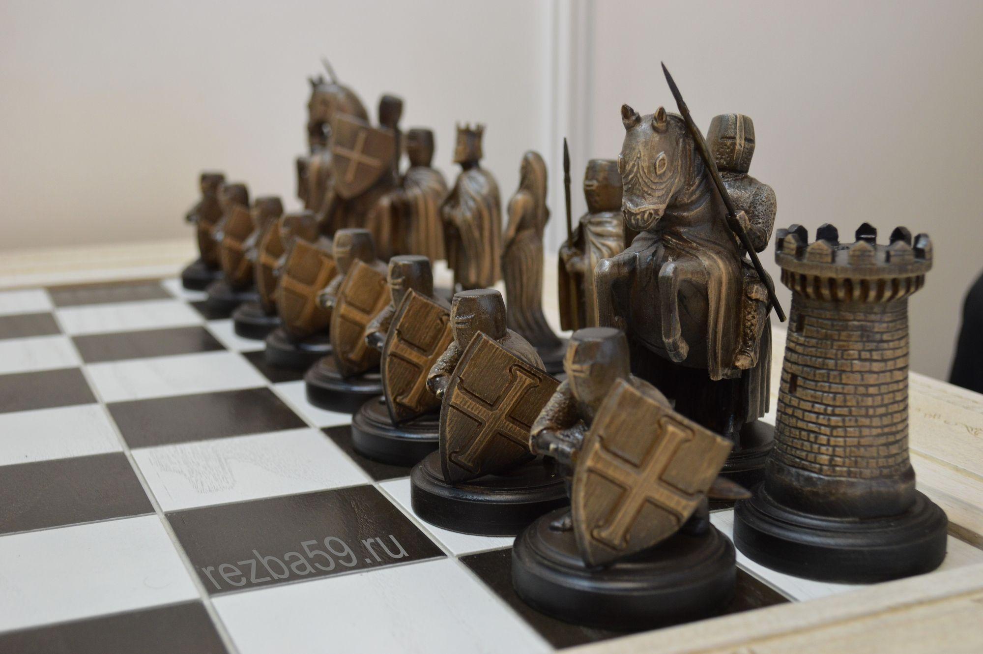 резные шахматы из дерева фото это популярный прием